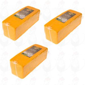 3 X Red Cheddar cheese - Mild    Block of 2,5 kilo / 5.5 lbs
